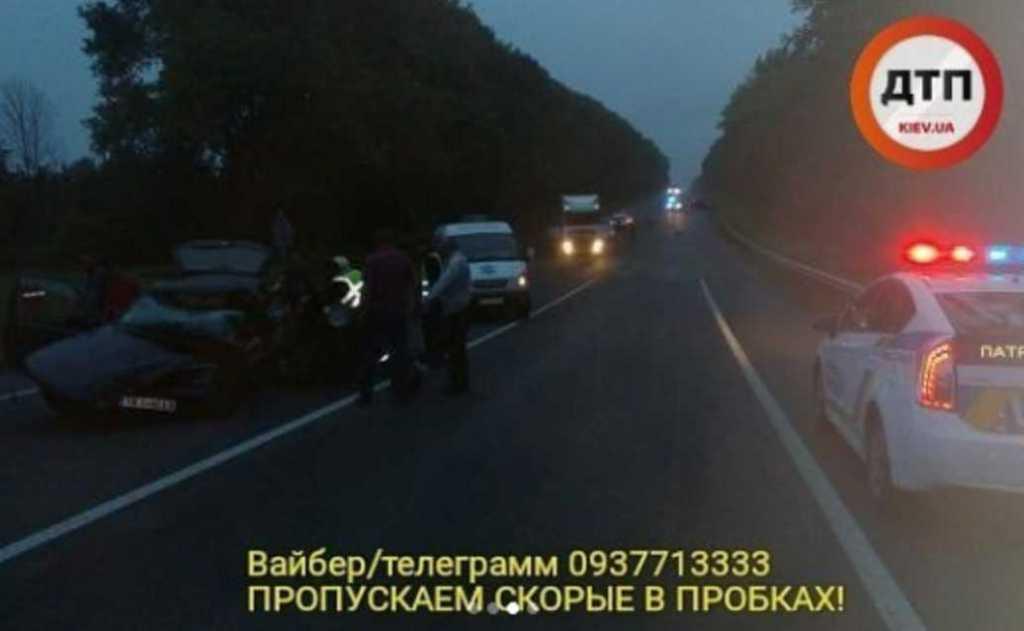 «Быстро поедешь — медленно понесут. Два трупа»: Смертельное ДТП на Львовской трассе, опубликовано жуткие фото