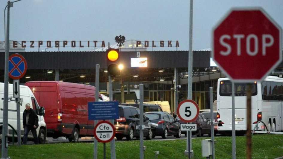 Готовьтесь к кылометровим очередям! На границе с Украиной польские таможенники начали «тихую забастовку»