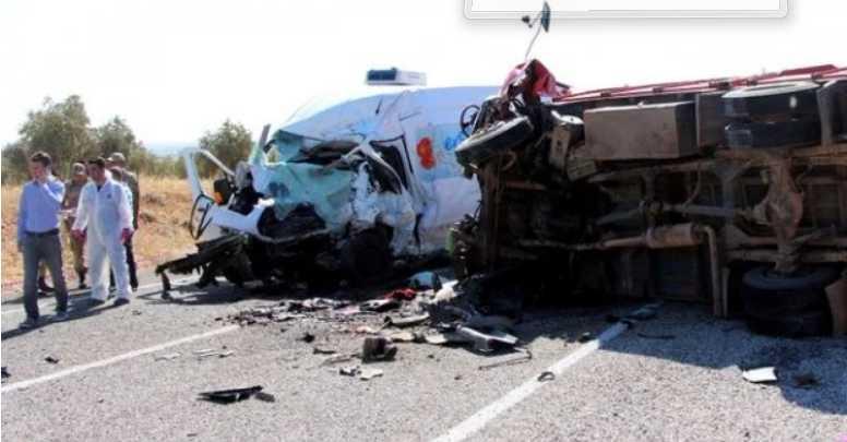 Жуткая ДТП: Автобус на большой скорости столкнулся с трактором, много погибших