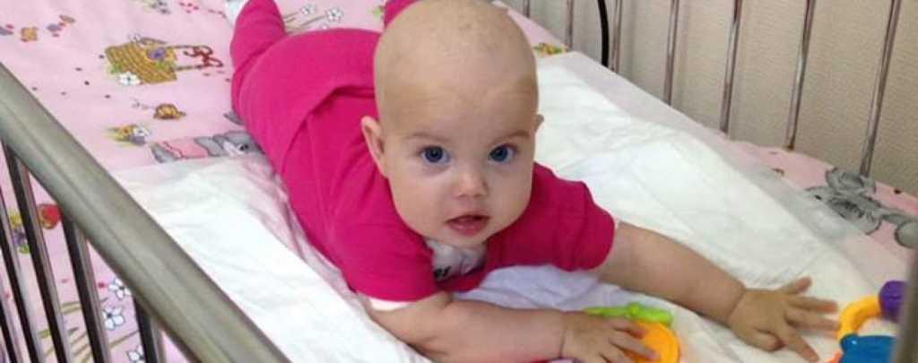 Ей всего 6 месяцев, а тяжелая болезнь поставила ее жизнь под угрозу Маленькая Марянка потребиуе вашей помощи