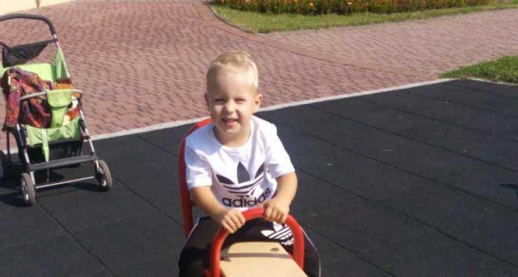 Тяжелая болезнь полностью изменила его жизнь: Родители Димы умоляют о помощи, чтобы вылечить сына