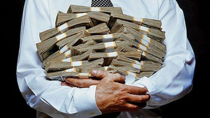 Повышение зарплат и пенсий: когда и на сколько разбогатеют украинцы