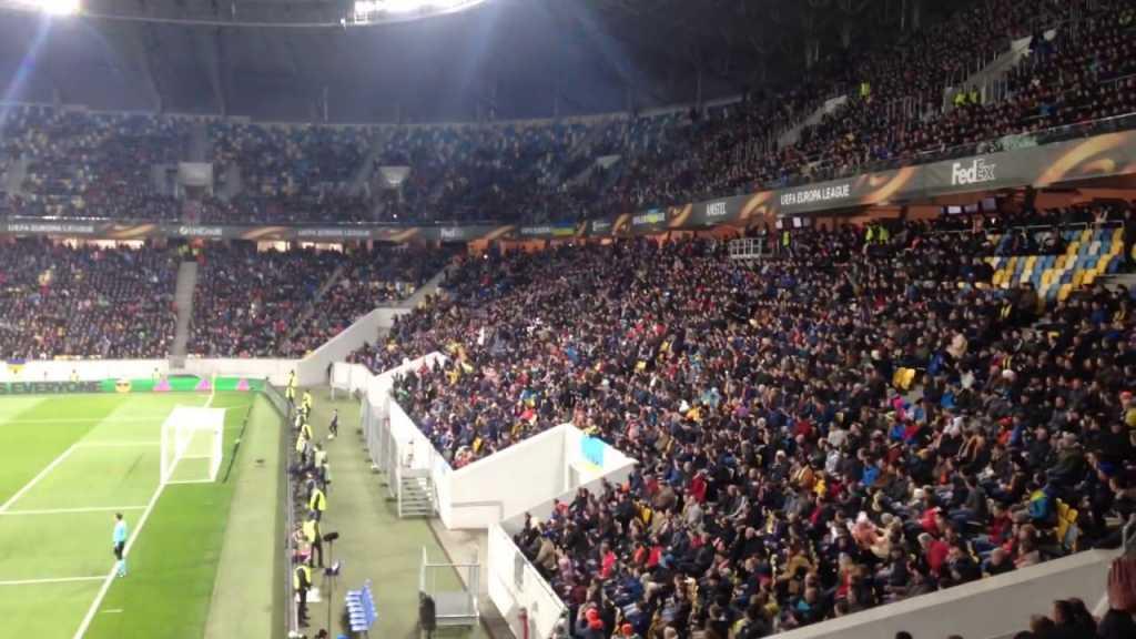 Во Львове футбольные фанаты устроили пророссийскую провокацию, первые подробности