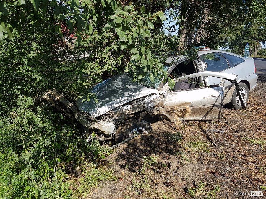 Жуткая ДТП на Львовщине: Легковушка на большой скорости врезался в другое авто, есть жертвы