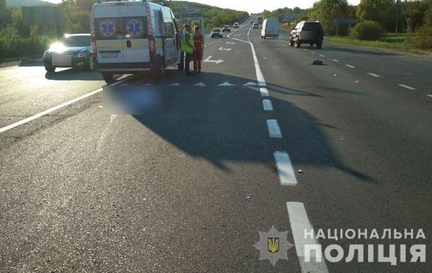 Смертельная авария на Закарпатье: Легковушка с иностранцами на бешеной скорости сбила школьницу