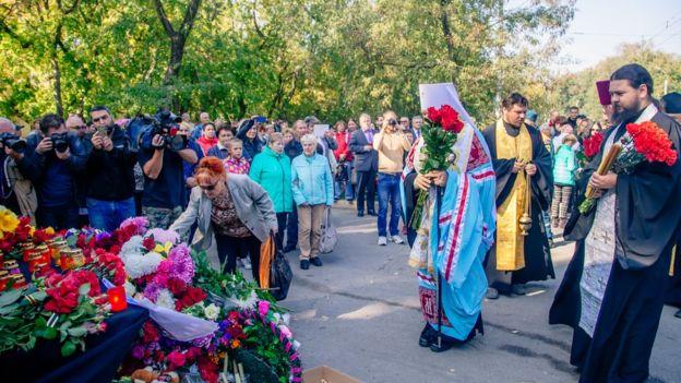 Массовый расстрел в Керчи: Появились первые фото и видео из колледжа после кровавой трагедии