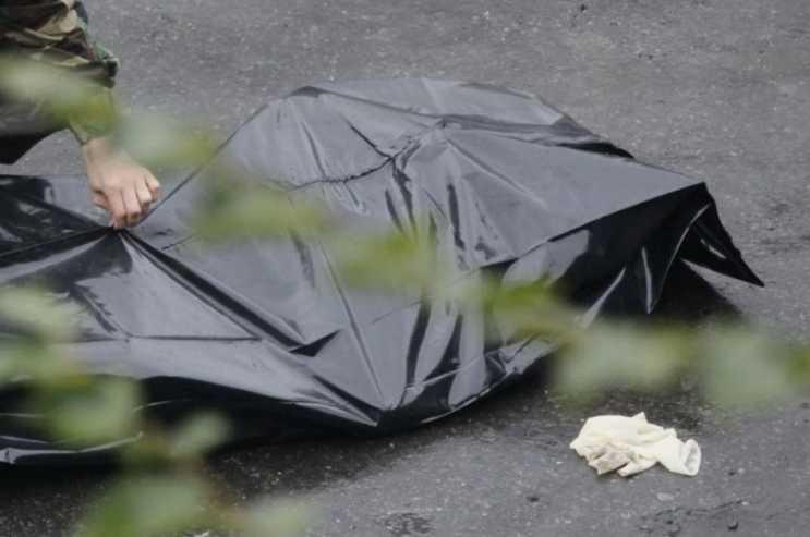 Селфи стоила женщине жизни: мать двоих детей сорвалась с балкона многоэтажки