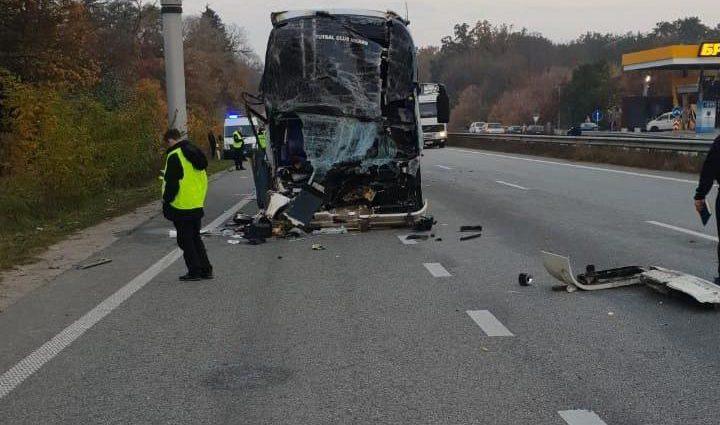 Выбросило из автобуса и протянуло: Очевидцы рассказали подробности гибели артистки «Дизель Шоу»