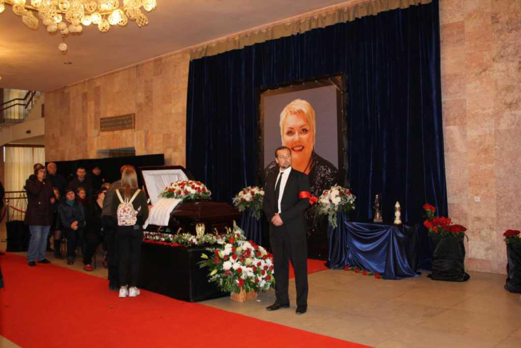 Перед смертью попрощалась с всеми друзьями и дала обещание: Друг Поплавской рассказал о последней встрече с Мариной