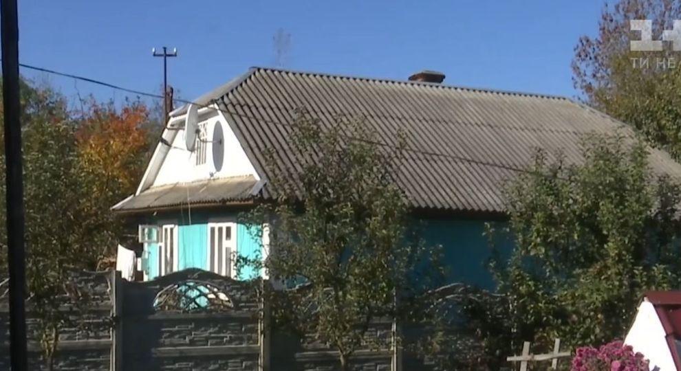 Вместо того, чтобы спеленаты мальчика, мать достала нож и убила его: Появились жуткие подробности убийства младенца в Ивано-Франковской