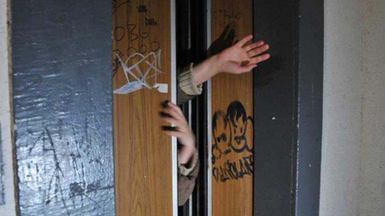 Напал в лифтовой кабине: в Николаеве средь бела дня зверски изнасиловали ребенка