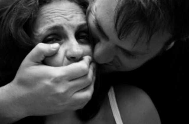 Возвращалась домой со дня села: На Полтавщине молодой человек жестоко изнасиловал женщину