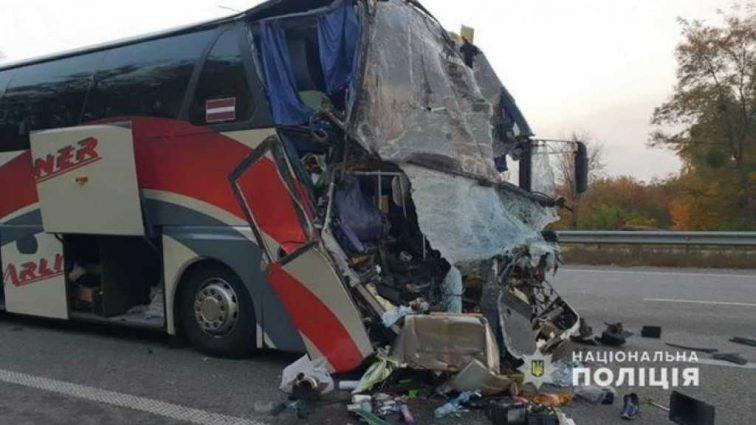 «Буквально засыпал на ходу»: Стали известны новые подробности о водителе автобуса, который попал в ДТП с актерами «Дизель Шоу»