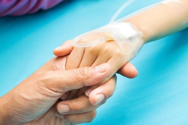 Отказывается верить и запретила лечить ребенка: Из-за равнодушие матери в Ровенской области умер 12-летний мальчик