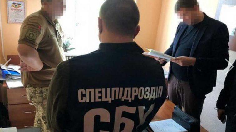 «Поймали на горячем»: На взятки задержали чиновника областного военкомата