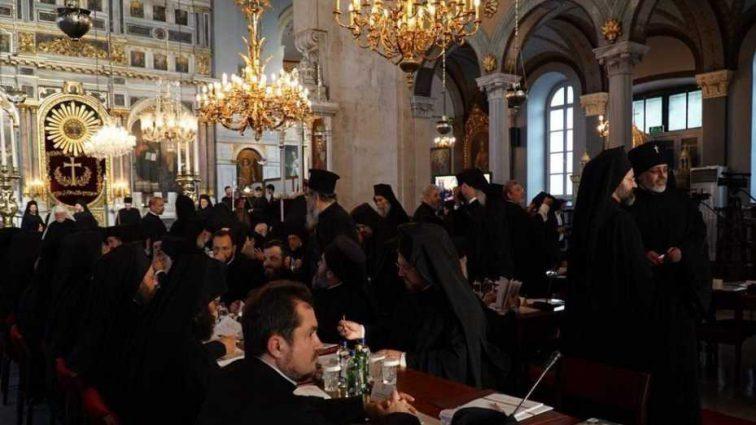 Синод принял решение о томосе