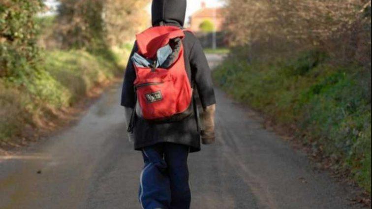 Съел на улице: от отравления умер 7-летний мальчик