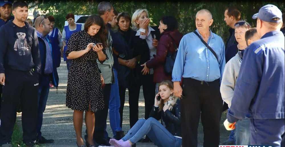 »Пацаны просто падали, кровь разлеталась!»: Ученица рассказала о взрыве в Керчи