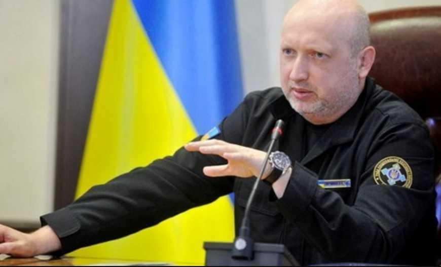 «Это не простая демонстрация силы»: Турчинов рассказал к чему готовиться Украине