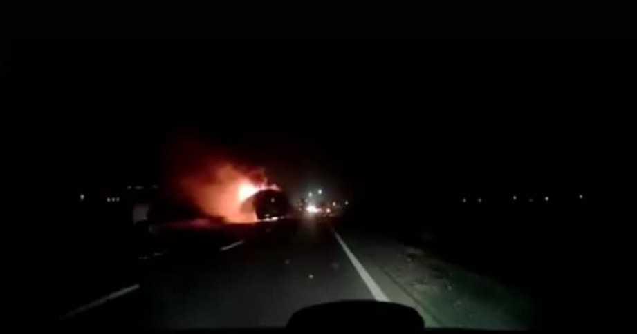 Возвращались с отдыха в Карпатах: во Львове на ходу загорелся автобус с туристами