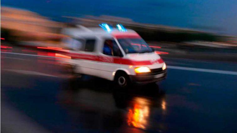 Пассажирский поезд сошел с рельсов: десятки жертв, кадры с места трагедии