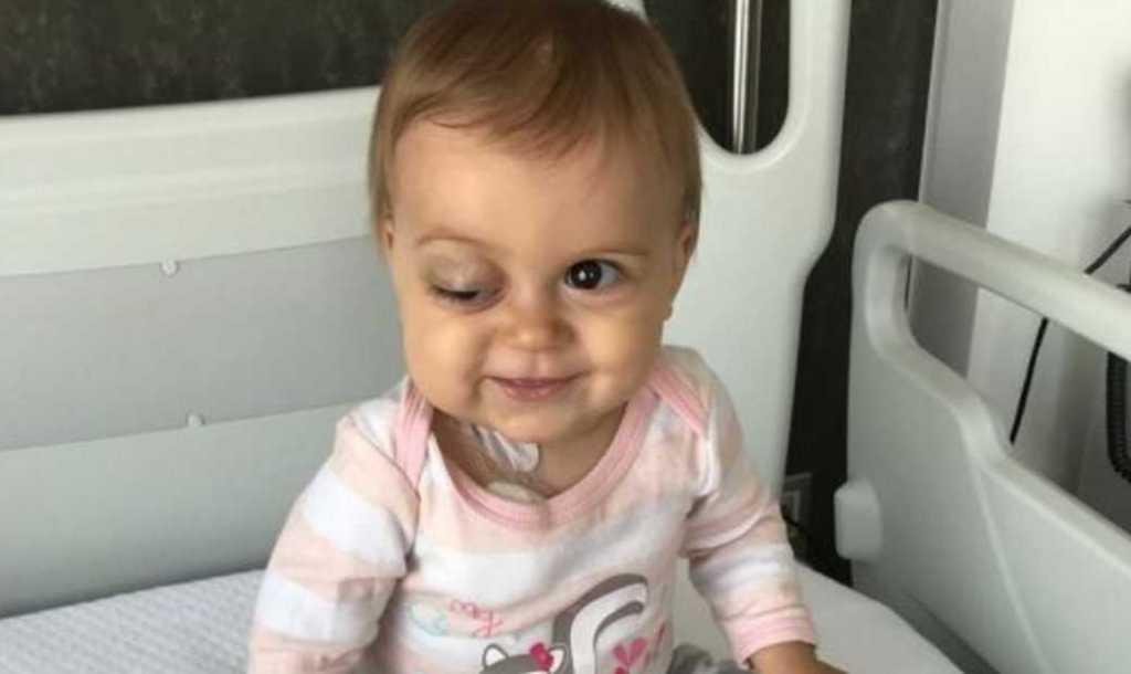 У девочки обнаружили опухоль: помогите спасти жизнь крошечной Сони