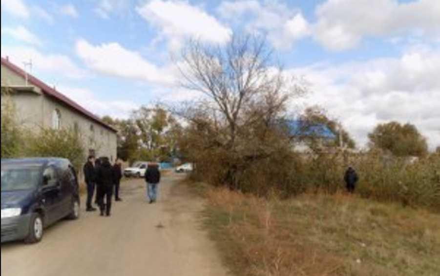 Лежала в поросшей камышом канаве: мать шестерых детей нашли мертвой