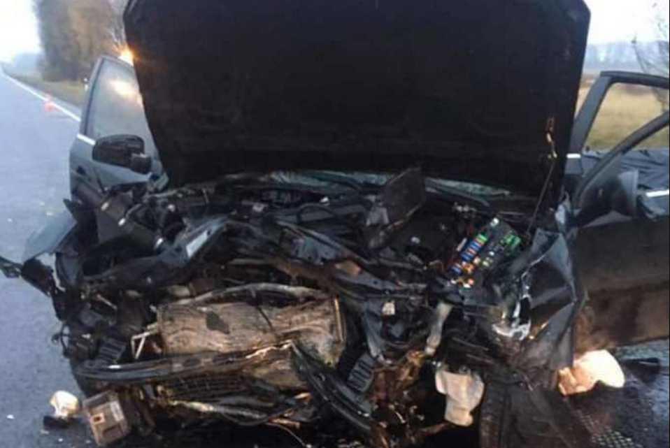 Металлолом можно собирать по всей дороге: во Львовской области в жуткой аварии пострадало пять человек