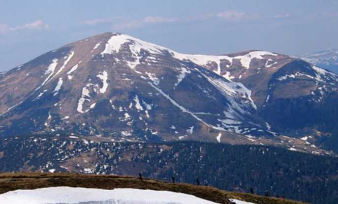 Молили о помощи: На вершине горы в Карпатах произошло ЧП с украинцами