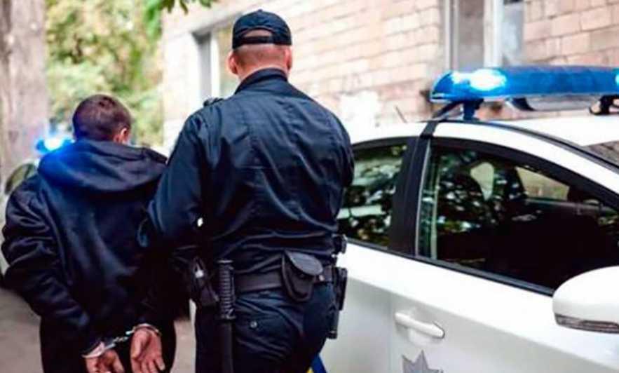 Убил своего гостя и убежал из дома: мужчина жестоко расправился с другом