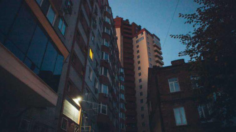 В центре Днепра хладнокровно зарезали сотрудника прокуратуры