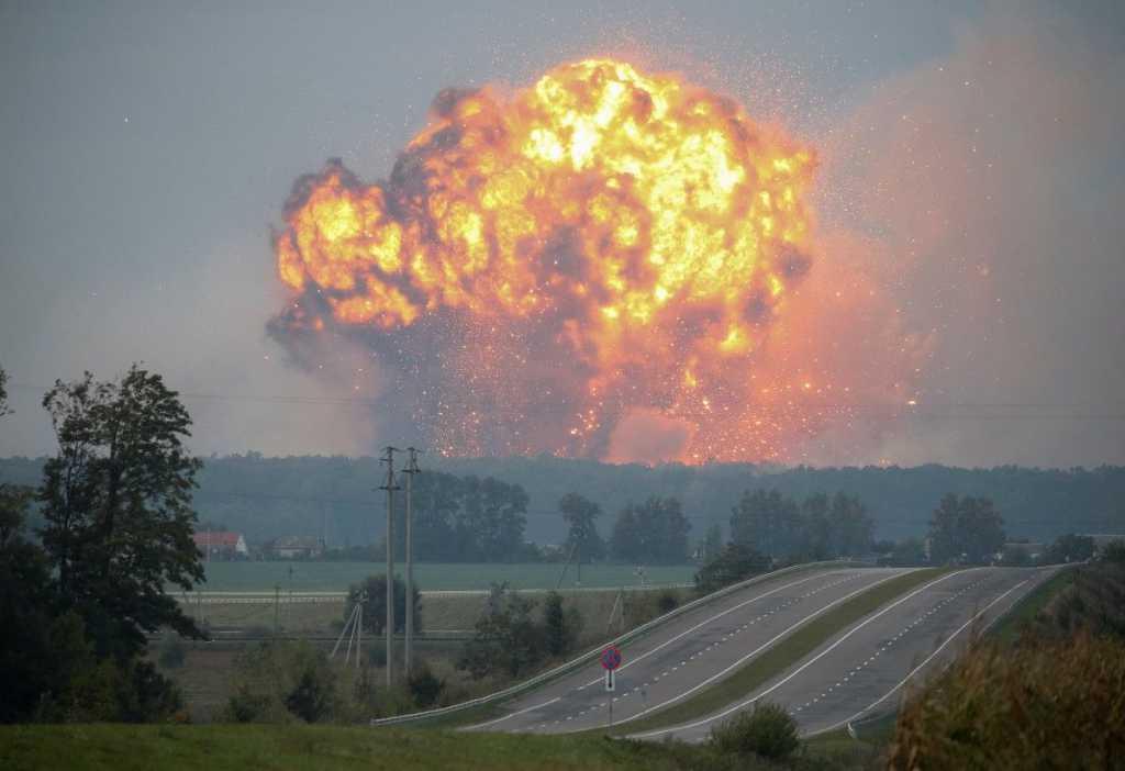 Взрывы на складах в Ичне: появились скандальные подробности о взводе охраны