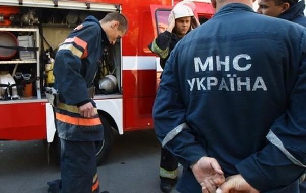 В Киеве на детской площадке произошло ЧП, работают спасатели