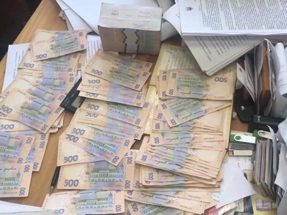 На взятке в 650 тысяч гривен: В Киеве задержали влиятельного чиновника