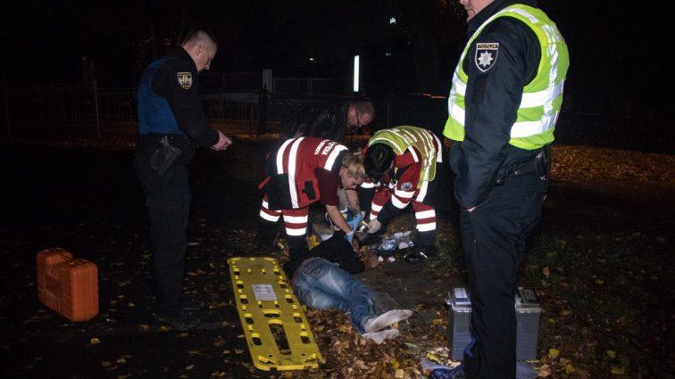От удара полетел за забор: в центре Киева полиция сбила человека