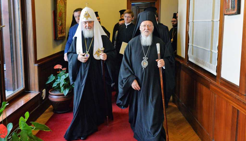 Новый Большой раскол: прихожанам РПЦ запретили молиться на Афоне