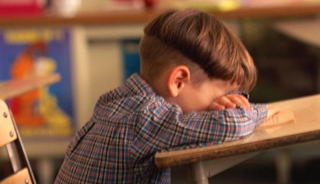 Снимала штаны и смотрела, как ходят в туалет: На Хмельнитчине разгорелся скандал, из-за издевательств учительницы над детьми