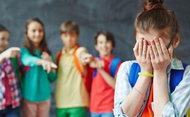 Чувствует себя изгоем: в украинской школе разгорелся новый громкий скандал