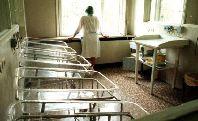 Скандал в роддоме: врачи изуродовали ребенка и подделали документы, родители бессильны
