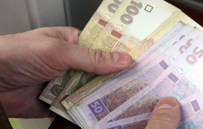 Уже с 1 декабря украинцам повысят пенсии: кому добавят 600 грн
