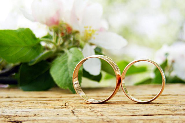 Умерли в один день: Молодожены трагически погибли сразу после свадьбы