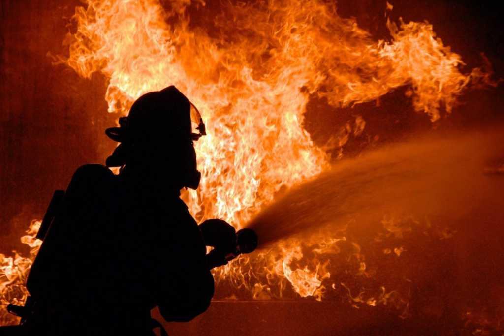 В здании Министерства финансов в Киеве произошел пожар: первые подробности и кадры
