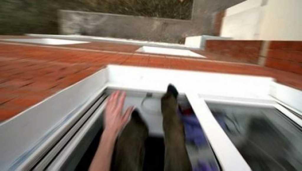 На глазах у родного брата В Николаеве участник АТО выбросился из окна