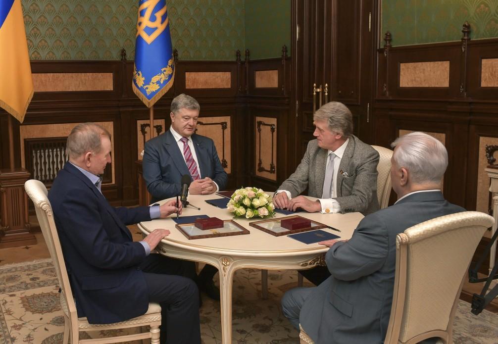Кравчук, Кучма и Ющенко сделали важное заявление из-за введения военного положения