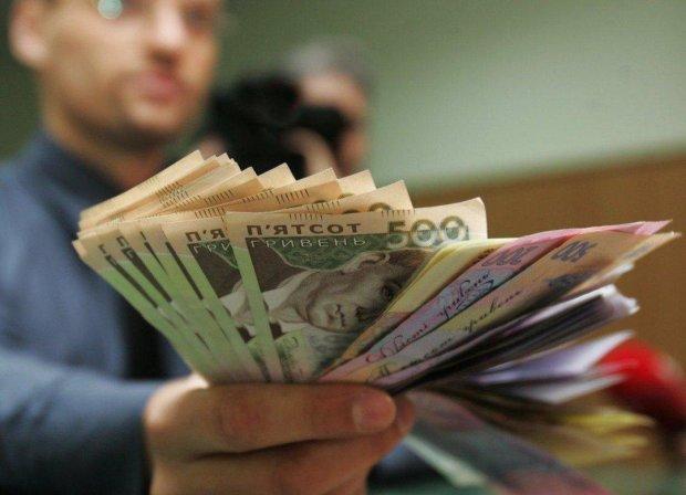 Кто разбогатеет, а кто останется ни с чем: как изменятся зарплаты украинцев уже с нового года