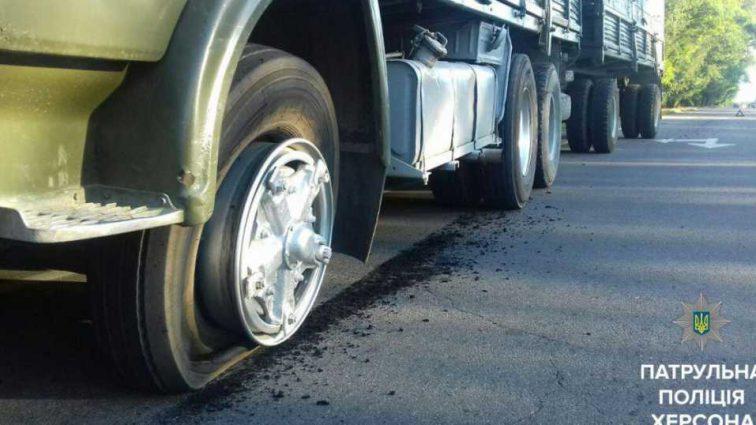 Жуткая ДТП на украинской трассе: камаз сбил детей и скрылся