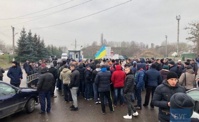 Бунт на границе с Польшей: «евробляхеры» пошли на крайние меры, кадры