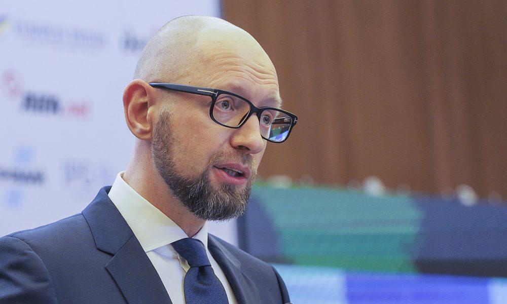 Поражает абсурдом: как Яценюк опустошает карманы украинский на пиар перед выборами секунду