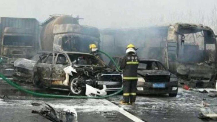 Заживо сгорели 18 человек: Масштабное ДТП на трассе, все охвачено огнем, первые подробности