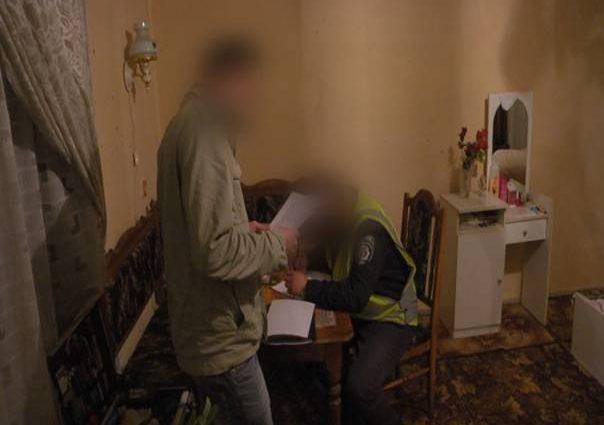 Под Киевом пьяный мужчина жестоко убил собственную мать